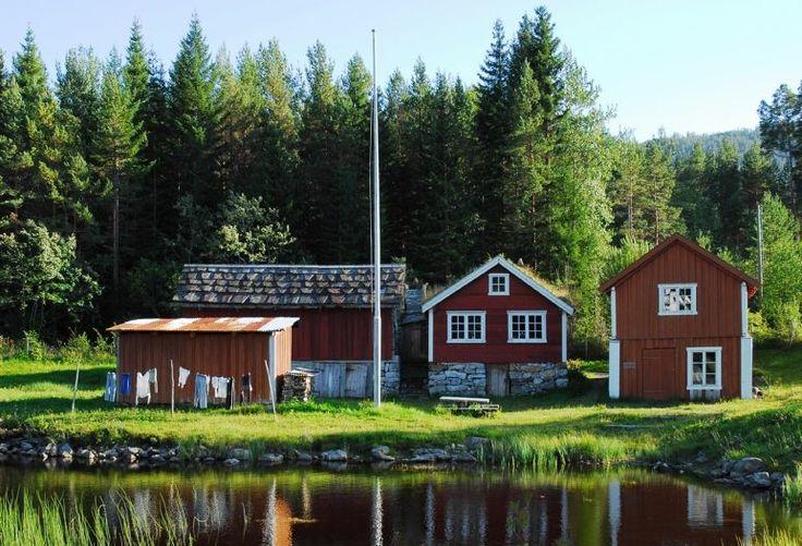 Das Folkemuseum in Song gehört zu den ältesten des Landes. In dem Freilichtmuseum findet sich unter anderem eine beeindruckende Sammlung von Booten aus der Region wieder.