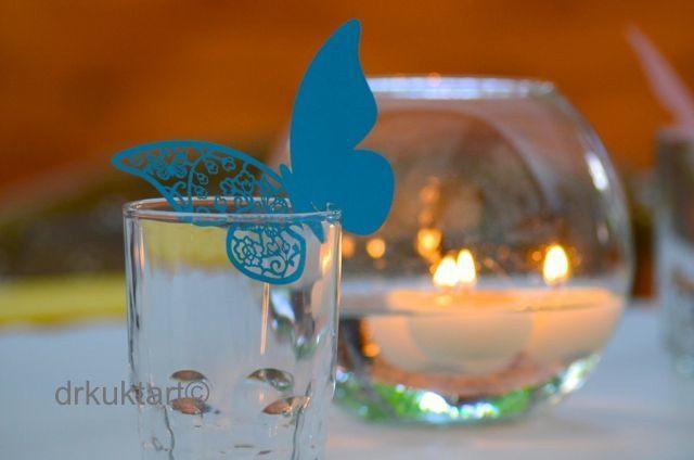 Place cards and candle.   http://drkuktart.blog.hu/2014/07/10/egy_kis_hazai_lagzi_cozy_wedding_at_normafa_in_budapest