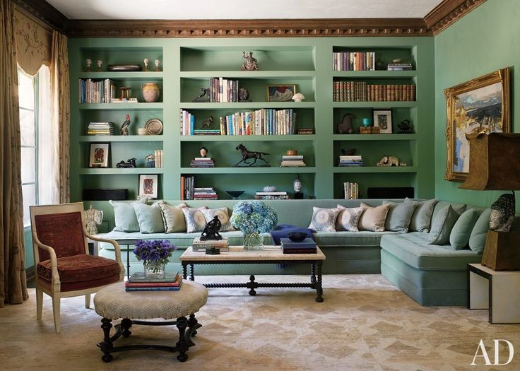 TRADITIONAL LIVING ROOM BY COMMUNE The living room of Dinah and Bill Ruch's Los Angeles home, refurbished to reflect its 1940s William Hain...