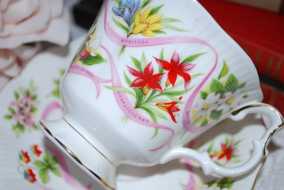 ROYAL ALBERT  Canada Day Gift Bone China Vintage Tea Cup and Saucer, Our Emblems Dear Canada
