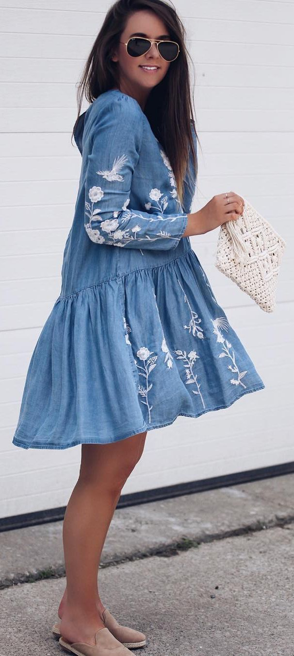 How could you be so artless? Oh wait, we know. This embroidered dress in chambray boasts a drop-waist detail and floral details that make it an easy-peasy look to style. Artless Flowers Embroidered Dress in Chambray featured by Fashionablykay Blog