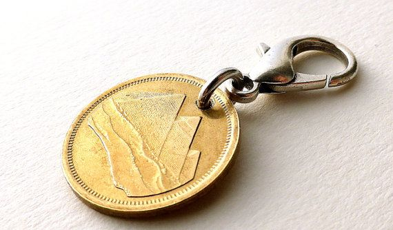 Hey, I found this really awesome Etsy listing at https://www.etsy.com/listing/258235395/egyptian-zipper-charm-pyramids-coin