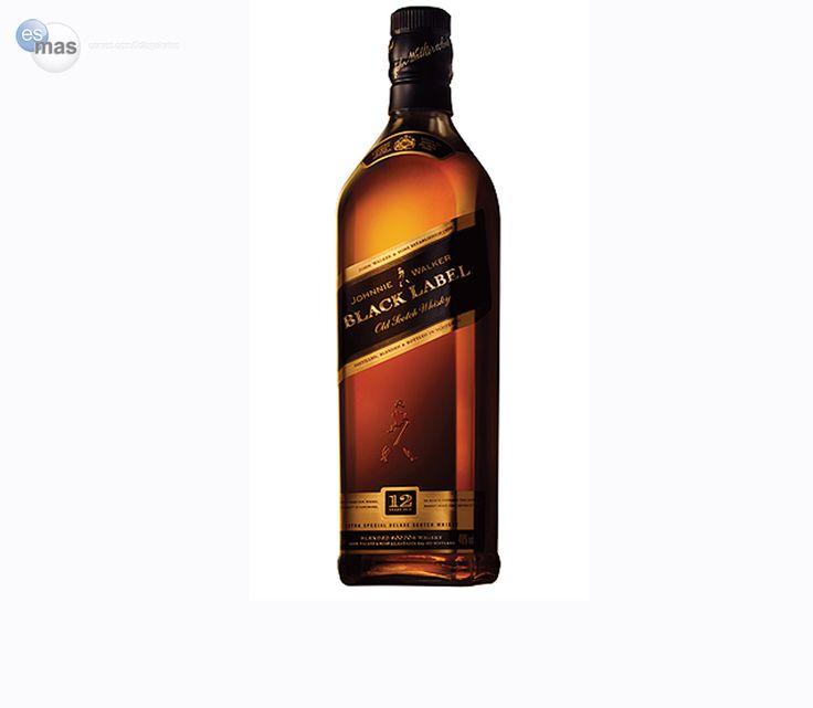Whisky escocés Johnnie Walker Black Label de lujo, resultante de la mezcla de 40 whiskies añejados minimo 12 años.