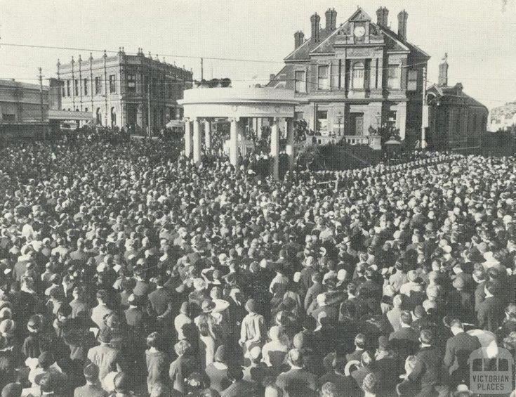 Opening of Kew's first War Memorial