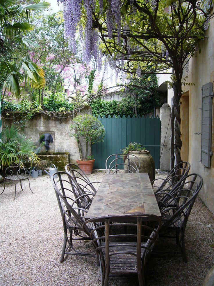 Wall fountain, wisteria