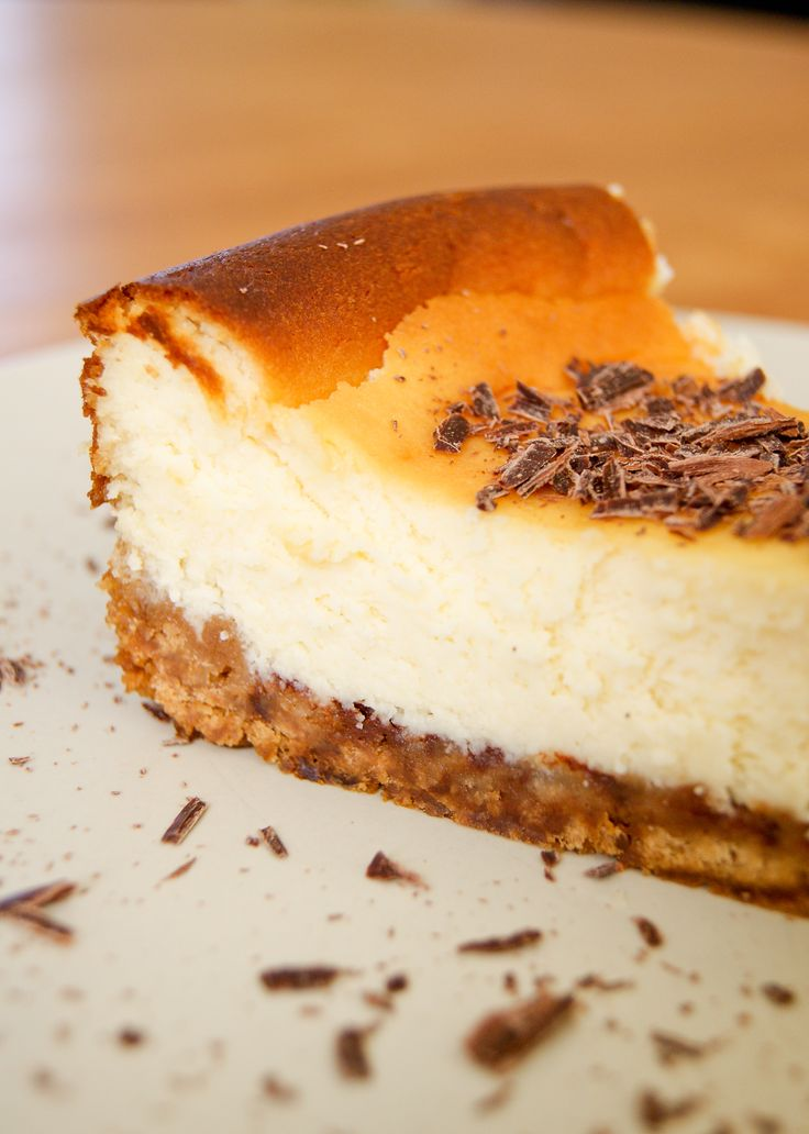 Une nouvelle idée pour varier du NY style cheesecake :sa version au chocolat blanc! Dans cette recette, il n'y a pas que le goût qui change mais également la texture:la base de cream cheeseest a...