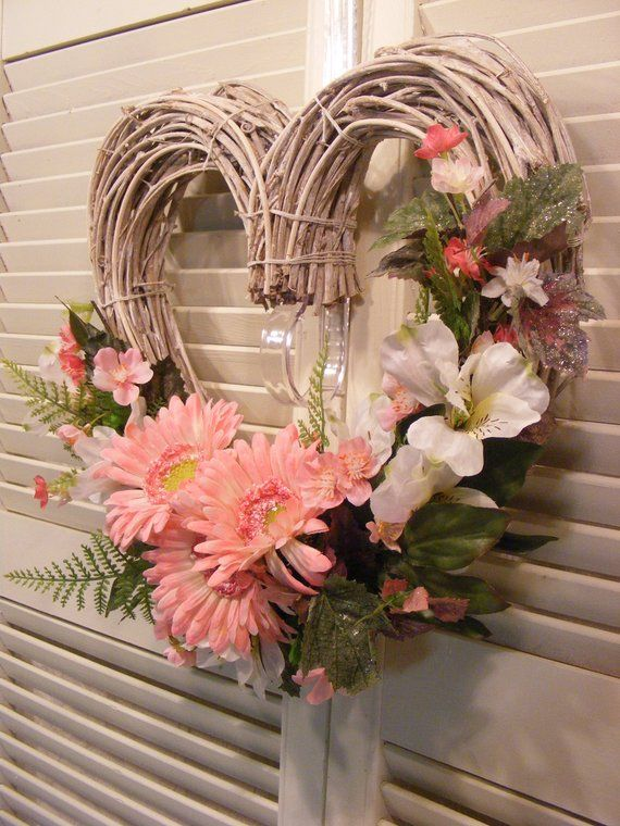 Heart Shaped Grapevine Wreath Pink And White Heart Wreath Etsy Grapevine Wreath Grape Vines Gerbera Daisy