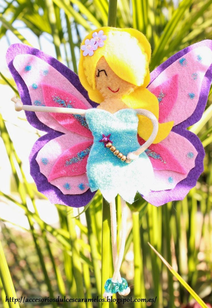 Augusta, hada fieltro de la Primavera / felt dolls fairy spring http://accesoriosdulcescaramelos.blogspot.com.es/2015/02/augusta-hada-fieltro-de-la-primavera.html