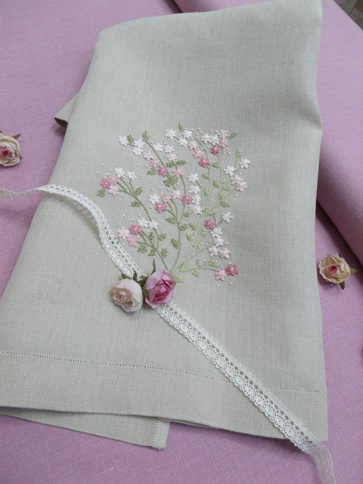 Rose Flowers, embroidery kit: http://escoladebordado.com.br/loja/products/Kit-06-%252d-Rose-Flowers.html®