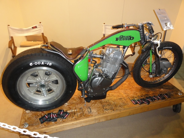 87 best images about yamaha tt500 on pinterest flat for Garage yamaha scooter