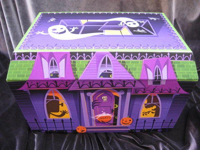 Hallmark Creaky Squeaky Treat Haunted House Candy Presenter