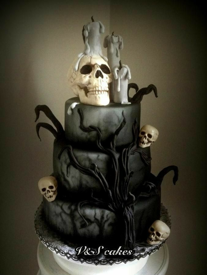Fiestas Halloween 2020 Santiago Pin by Ivonne Santiago on Gothic in 2020 | Skull wedding cakes