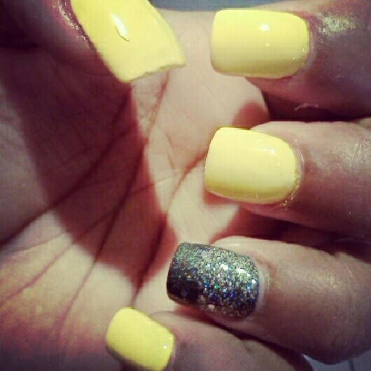 My Nails Yellow Amp Sparkle Grey All Dolled Up