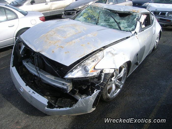 Nissan Z-Series 370Z crashed in Van Nuys, California