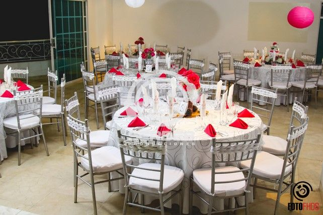 Mesas Redondas para 10 Invitados
