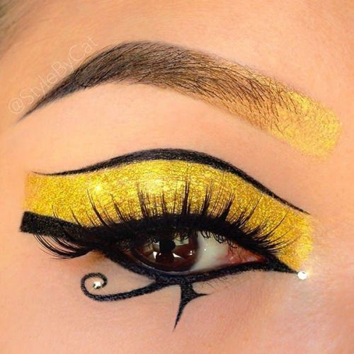 Copper or green for me instead of yellow, but this liner... mmmhmmm