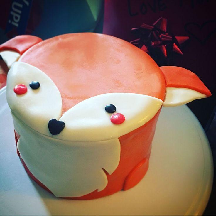 Fox Cake Vanilla cake with American buttercream.