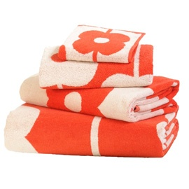 Coral Orla Kiely Towels  (via heals.co.uk)
