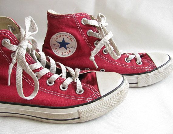 6ebba9e5a3a Vintage red converse Size 5 mens Size 7 womens Size 37