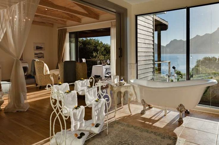 Without question the views from any of the baths at Tintswalo Atlantic are the best that Cape Town can offer. http://www.uyaphi.com/showcase/best-baths-in-africa.htm