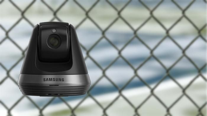SmartCam: Critical security gaps in Cloud-connected of Samsung IP cameras   The so-called SmartCam SNH-V6410PN/PN turned out to be less clever as the manufacturer advertised.  (Image: Pixabay / Samsung )   Gaps in the IP camera SNH-V6410PN/PNW allow it to hijack the Linux on it. Since the vulnerability lies in the Cloud-connected are likely to be affected more SmartCam models. The Cloud service manages the cameras via the Jabber Server.   Internet-connected camera systems contain always…