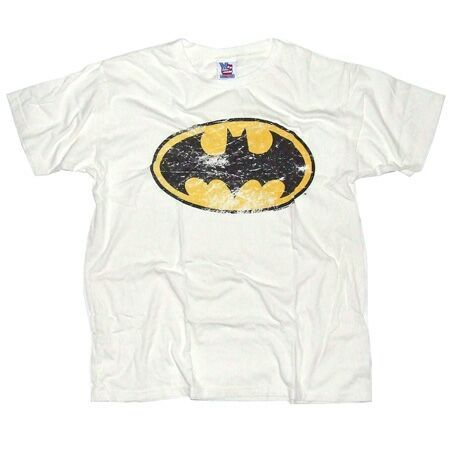 Men`s Clothing Junk Food Batman Logo Sugar White T-Shirt Junk Food Batman Logo Sugar White T-Shirt:: The classic Batman symbol with a distinctive distressed finish:: Retro pop culture inspired design:: Short sleeve fitted 100% cotton t-shirt http://www.comparestoreprices.co.uk//mens-clothing-junk-food-batman-logo-sugar-white-t-shirt.asp