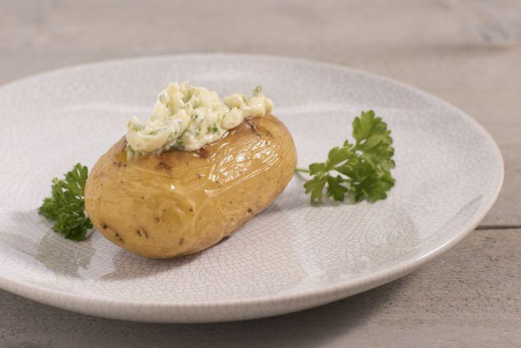 Een overheerlijke aardappelen in de oven , die maak je met dit recept. Smakelijk!