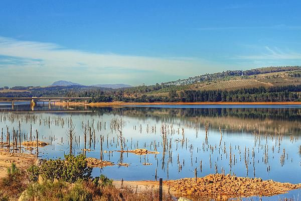 Theewaterskloof Dam in Villiersdorp