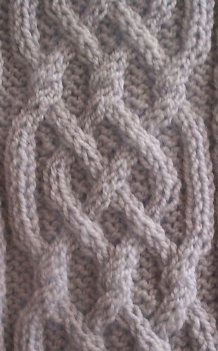 Celtic Motif (knot #22) pattern by Devorgillas Knitting (sometimes...)