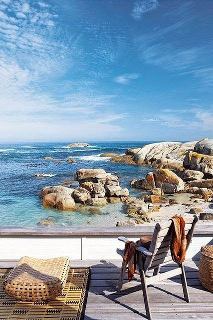 Cape Town, South Africa... Vacation on a beach Island