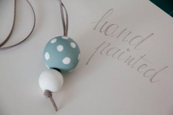 Collana con palline di legno dipinte a mano / di pescaefragola
