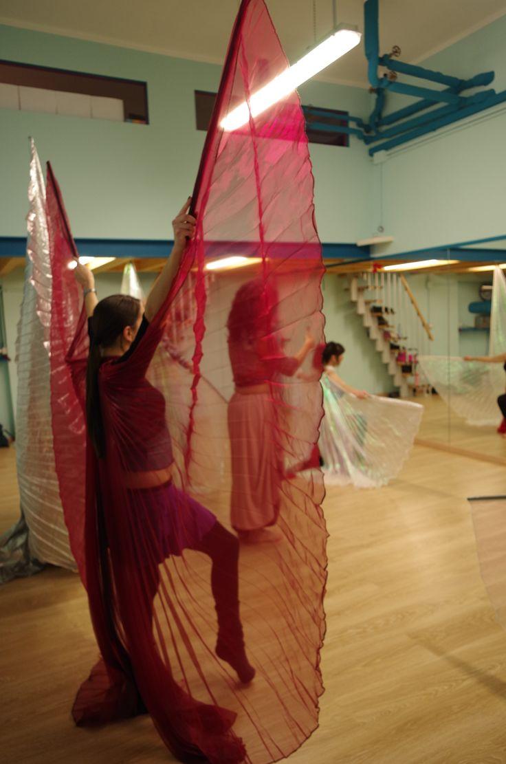 #danzadelventre con le ali di #Iside...qui davvero si vola!  Laboratorio quindicinale coreografico del sabato pomeriggio dalle 14 alle 16