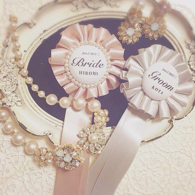 久々の投稿になってしまいましたが…こちらは昔からのお友達がフォトウェディング用にと依頼してくれたアクセサリーです✨ ロゼットも作らせてもらいました♪ ドレス姿のお写真を見れるのを楽しみに頑張ります♪ #wedding #bridal #pearl #lumierejewelry #ロゼット