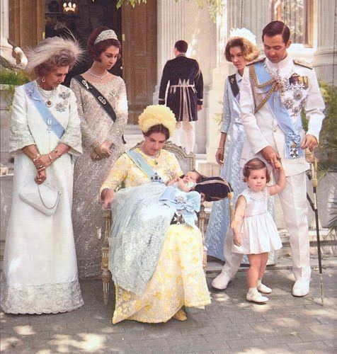 Queen Federica of Greece, her daughter Queen Sofia of Spain, Queen Anne-Marie of Greece holding Crown Prince Pavlos, Princess Irene of Greece, King Constantine of Greece holding the hand of Princess Alexia. That's a LOT of Majesties in one immediate family!