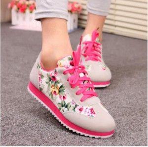 Çiçek Desenli Şık Bayan Spor Ayakkabı Modelleri