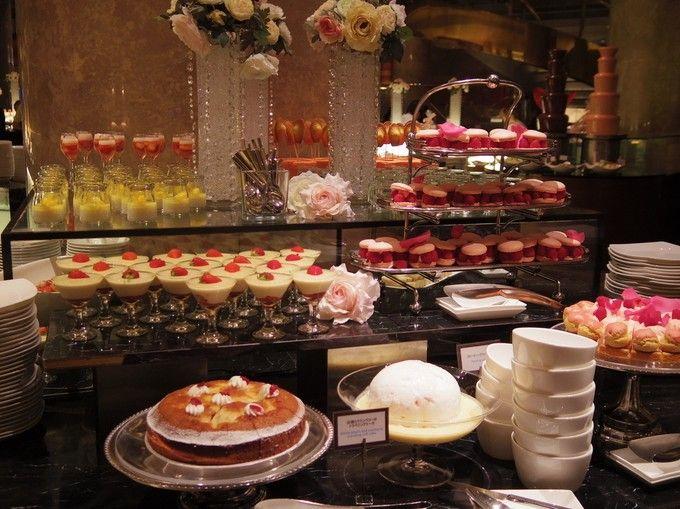 おいしいケーキを好きなだけ食べれるケーキバイキングって、甘党さんにとっては天国みたいに幸せですよね!お手頃価格なものから高級ホテルまで、今日は東京都内で人気のおすすめケーキバイキングのお店を7つ紹介します♪