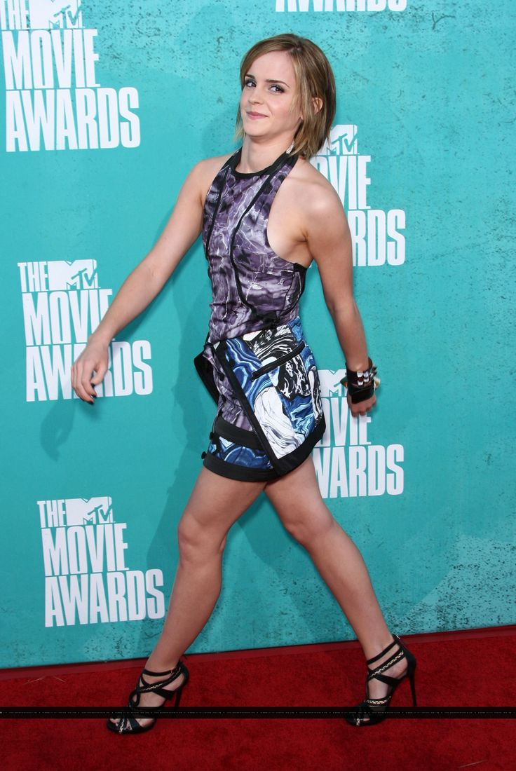 Attends the MTV Movie Awards at the Gibson Amphitheatre in
