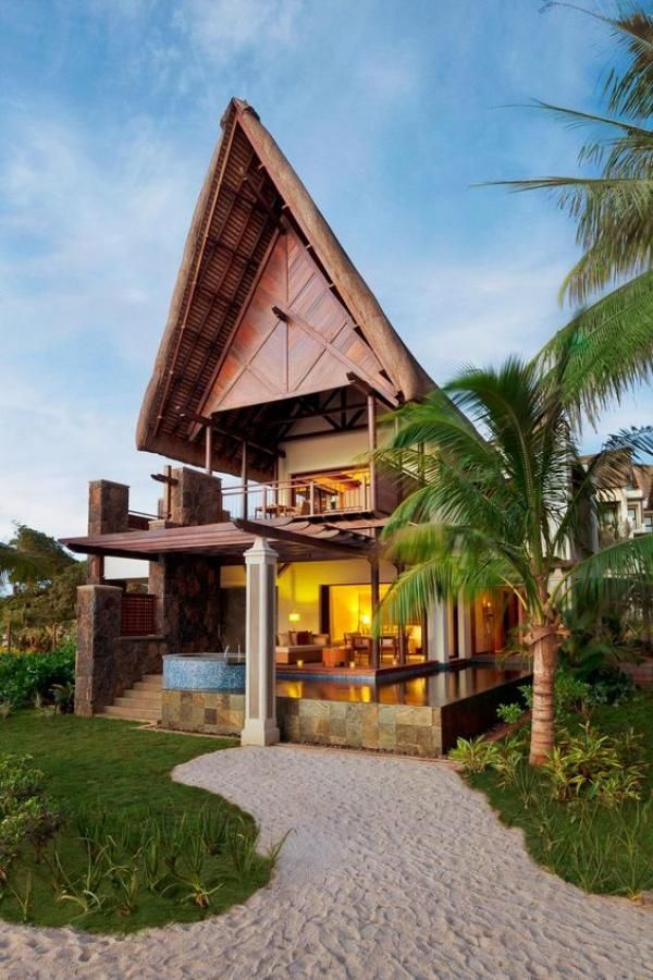 Captivating Tropical House Designs for Summer