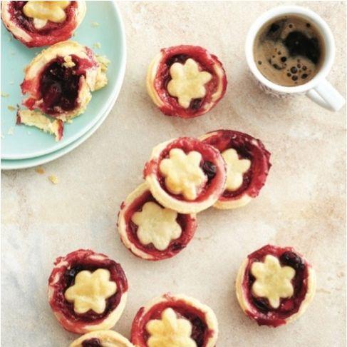 #CookingClubChallenge: Mini Jumbleberry Tarts!