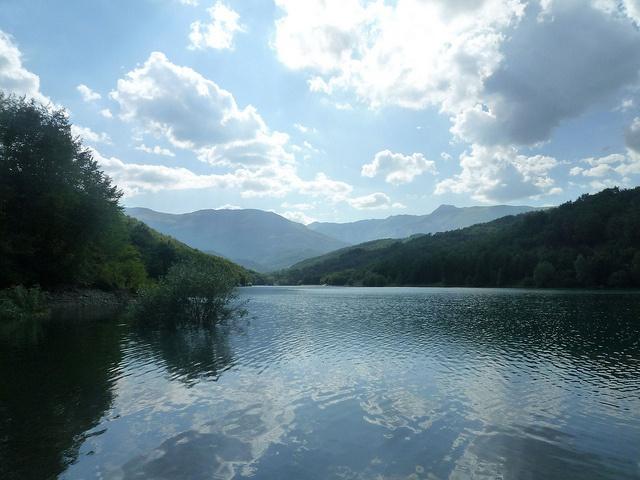 Paesaggi da campo scout: lago di Polverina, estate 2011