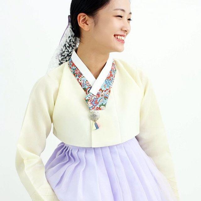 옷섬한복 @kyulcs for more Korean hanbok.
