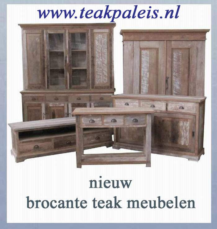 Nieuwe stijl teakhouten meubelen in brocante stijl.