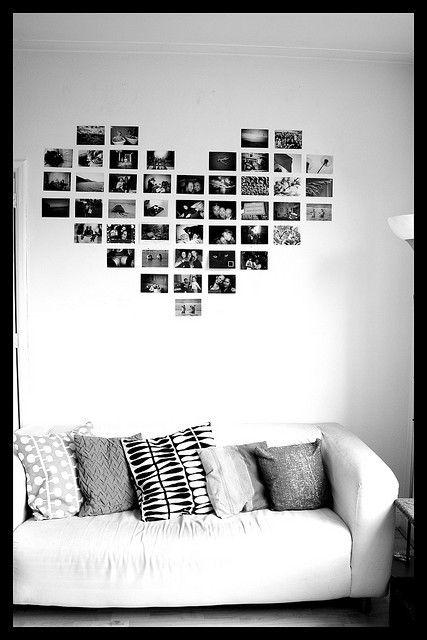 Amei essa forma de expor nossas fotos! :) * DIY - Mural de fotos  - Blog Pitacos e Achados -  Acesse: https://pitacoseachados.com  – https://www.facebook.com/pitacoseachados – https://www.tsu.co/blogpitacoseachados -  https://plus.google.com/+PitacosAchados-dicas-e-pitacos http://pitacoseachadosblog.tumblr.com #pitacoseachados