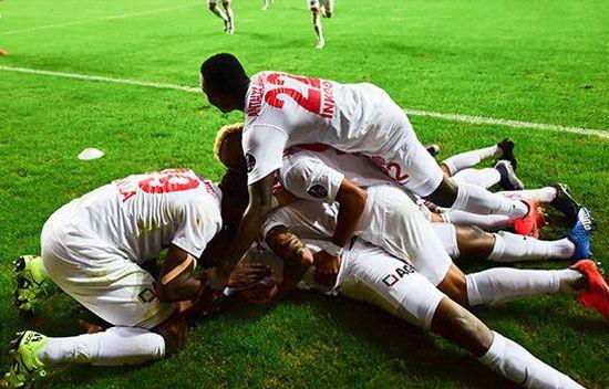 Antalyaspor:4 - Fenerbahçe:2 - Spor Toto Süper Lig\'in 20. hafta maçında Fenerbahçe, deplasmanda Antalyaspor\'a 4-2 mağlup oldu.