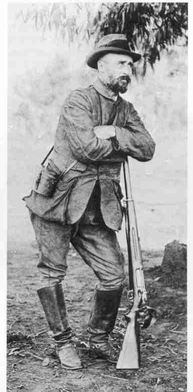 Boer General Tobias Smuts with his Danish Krag-Jorgensen rifle