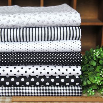 28$ 14 Pcs 7 Designs Cotton Fabric Black & White Series 45x45cm