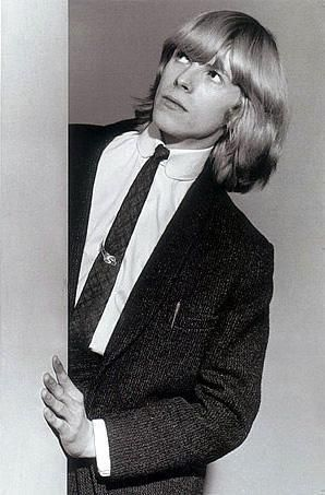 Bowie. I just want hair like this. Is it too much to ask?!