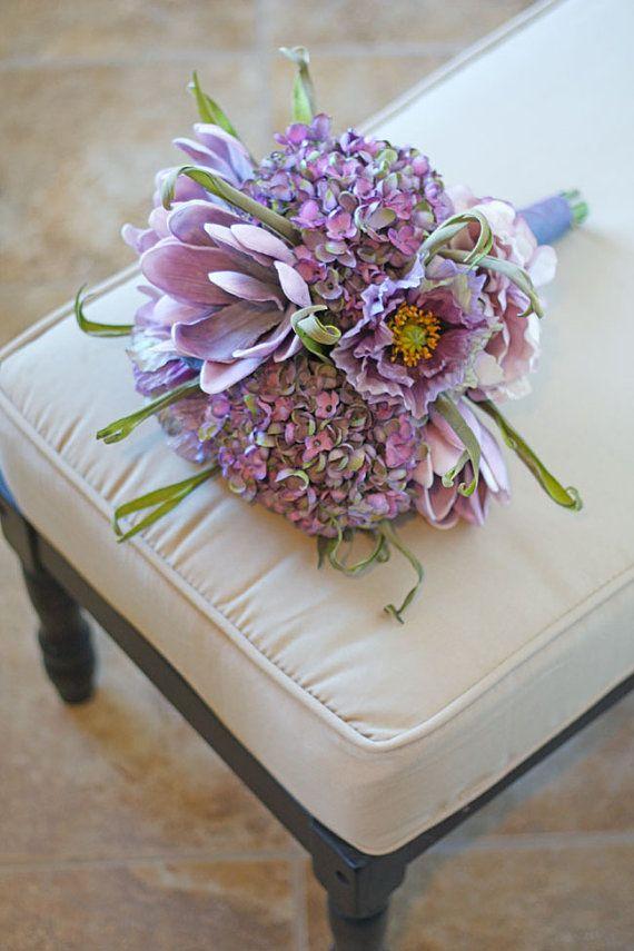 lilas + margarita wedding bouquet #lilacandmargarita #wedding