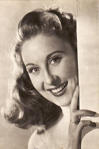 † Betty Garrett (May 23, 1919 - February 12, 2011) American actress, o.a. in the series of 'All in the family'.