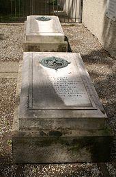 Grab von Bettina von Arnim in Wiepersdorf. Grave of Bettina von Arnim in Wiepersdorf